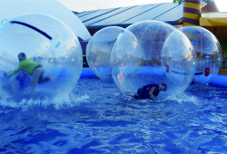 Water Balls with Built in Ramp Pool