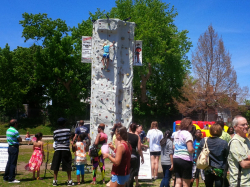 24 ft mobile rock wall
