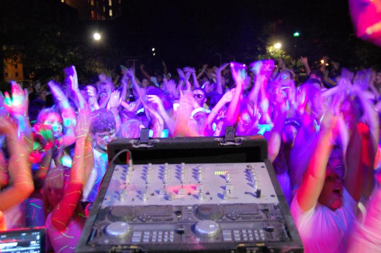Color Dance Party