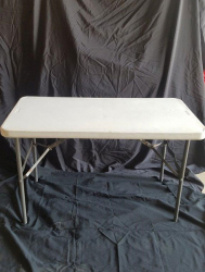 Rectangle Table White Plastic 4' x 24