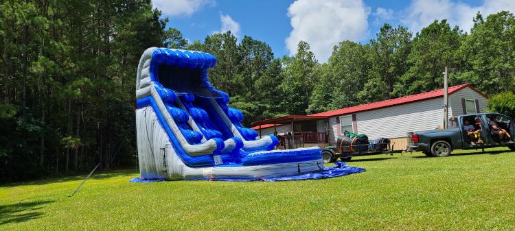 20 foot blue wave