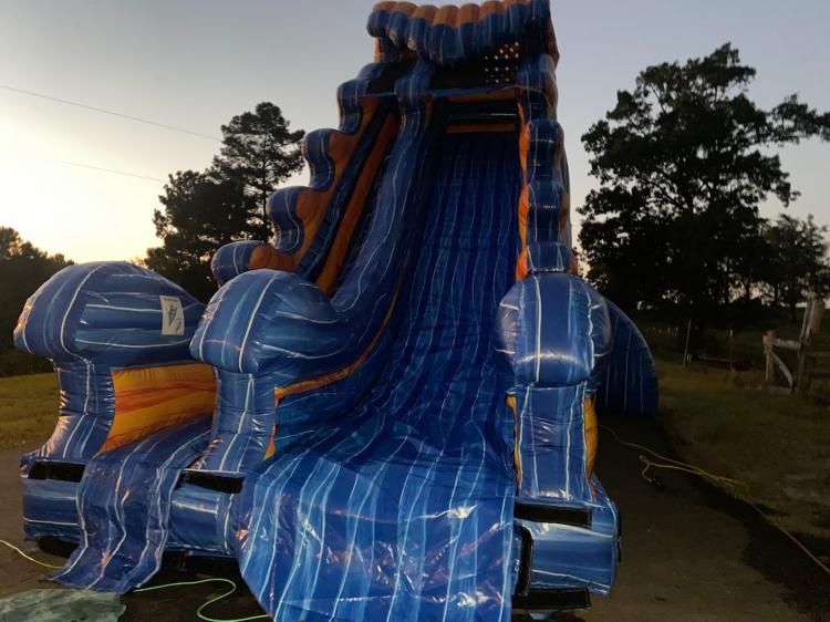 22 foot tsunami dry slide