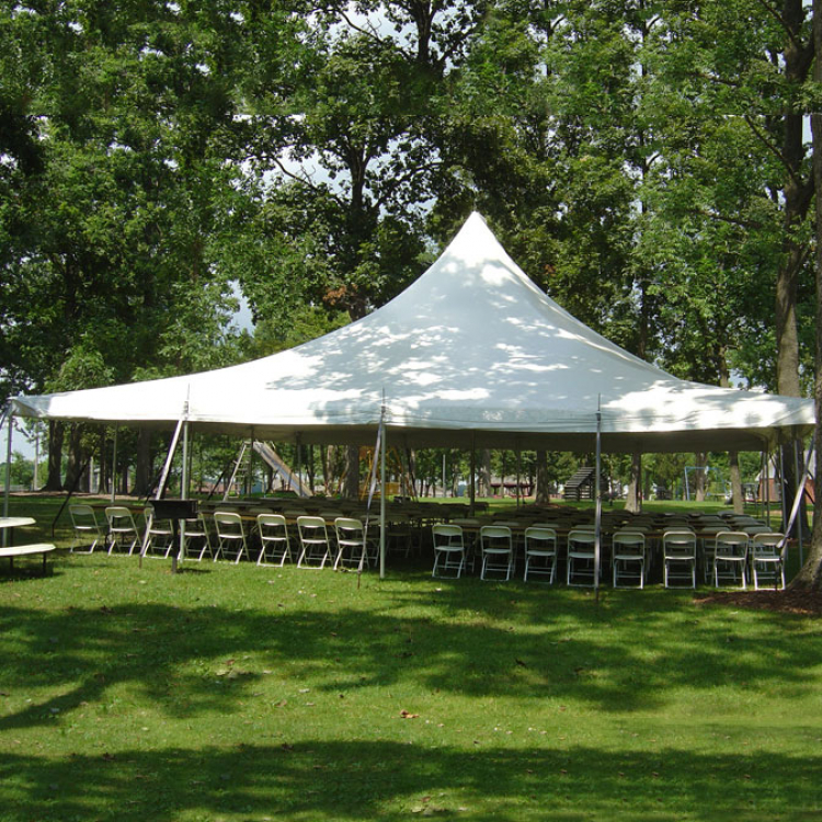 40×40 White Pole tent – Airtime Inflatables