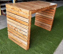 Pallet High Table