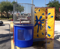 IMG 31241 324973 Dunk Tank *(7 foot wide gate clearance) **