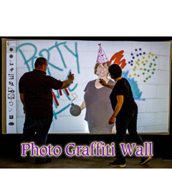 PHOTO GRAFFITI WALL