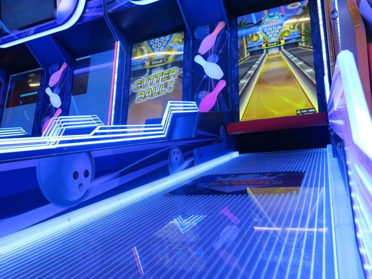 Bowling Arcade Game Rentals | EpicPartyTeam com Phoenix AZ