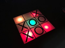 Glowing Tic Tac Toe