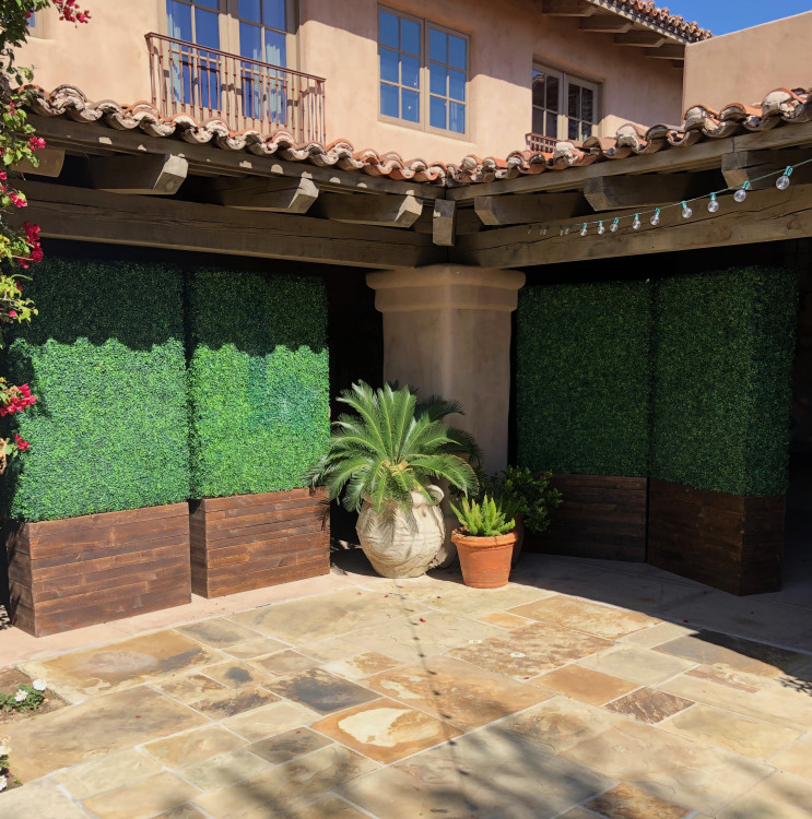 Hedge Wall - 8ft Tall x 4ft Wide - Brown Stain Base