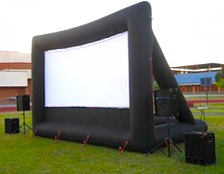 INFLATABLE OUTDOOR MOVIE THEATER