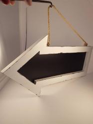 Chalkboard- hanging arrow